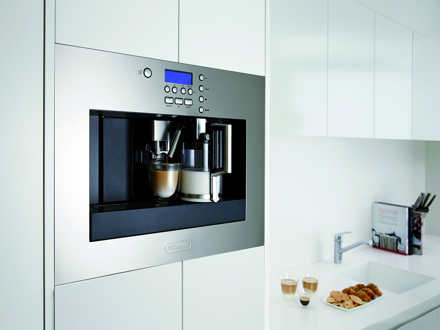 PrimaDonna EABI 6600 - Built-in Coffee Machine - Lifestyle