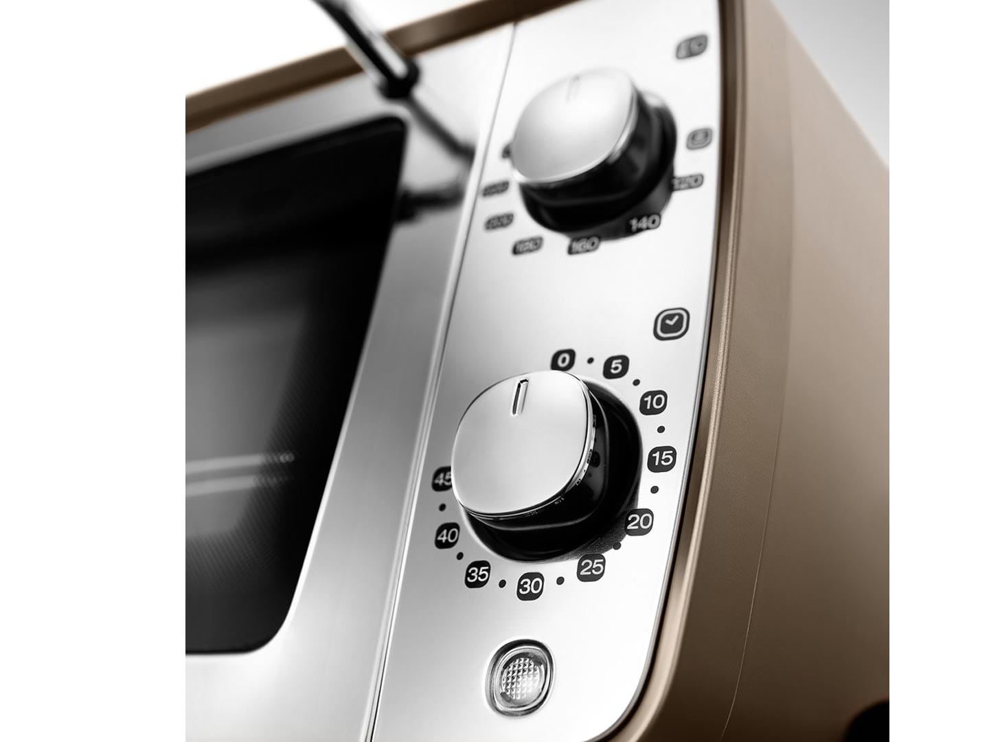 Мини-печь Distinta EOI406 Delonghi