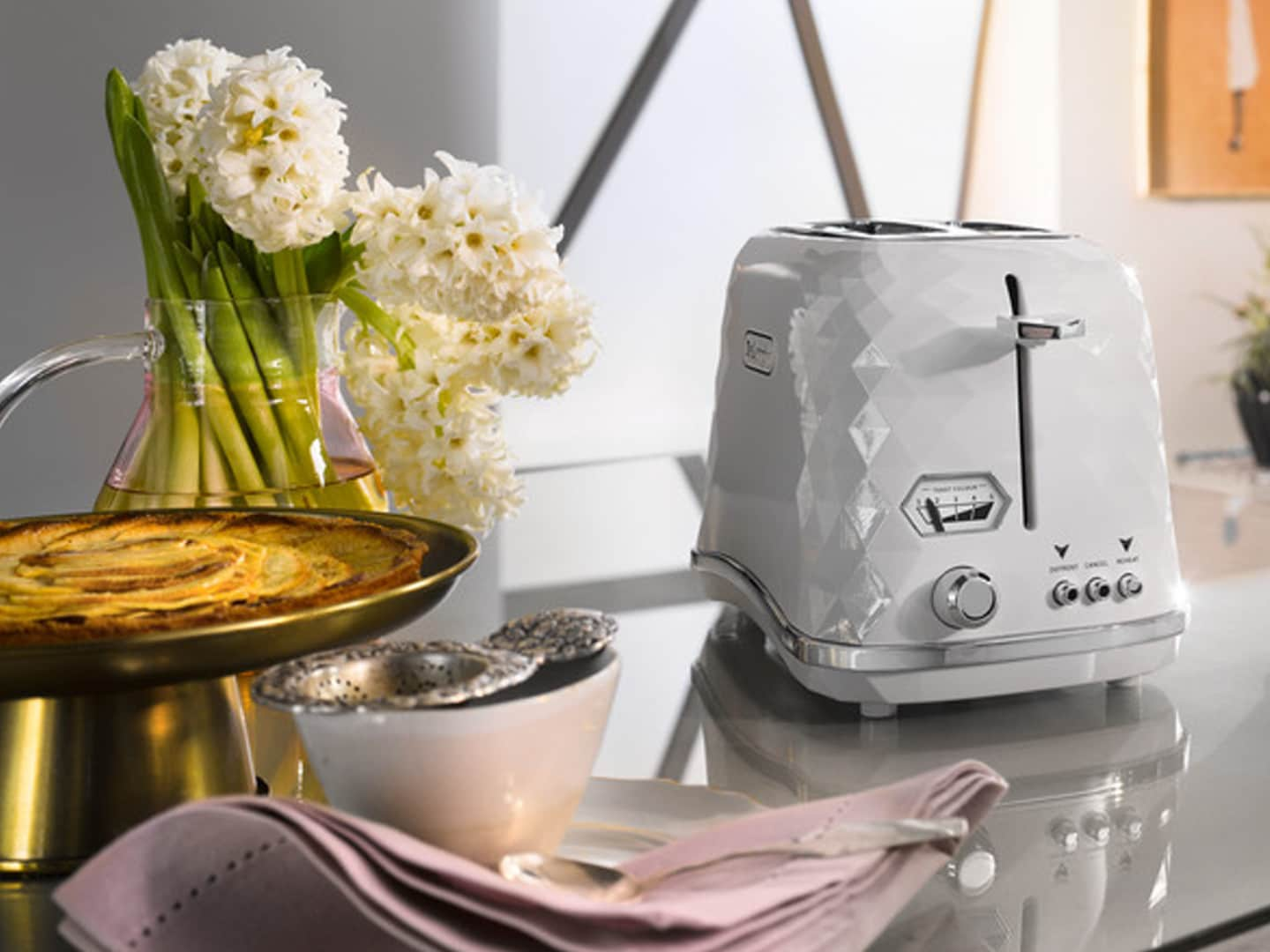 DeLonghi Brillante Exclusive 2 Slice Toaster White CTJX2103W