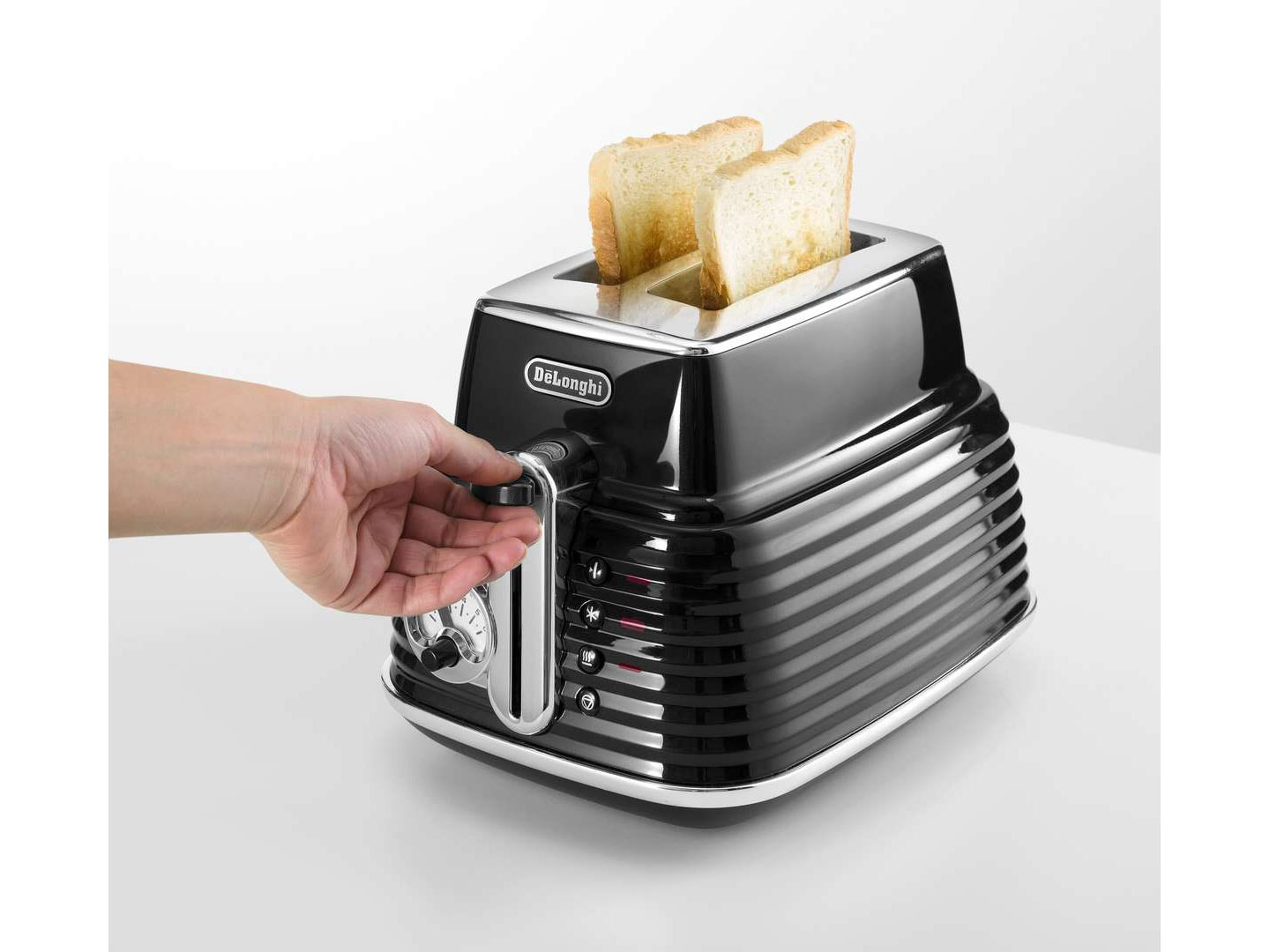 Clearance Stock: Scultura 2 Slice Toaster - CTZ 2003.BK