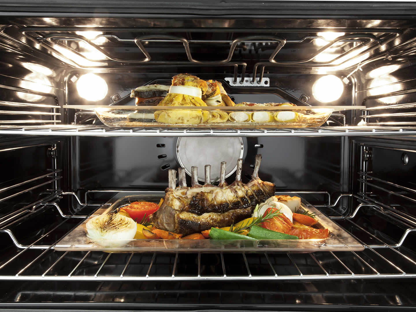 Freestanding Oven with Induction Cooktop - 90cm DEF909IND Interior