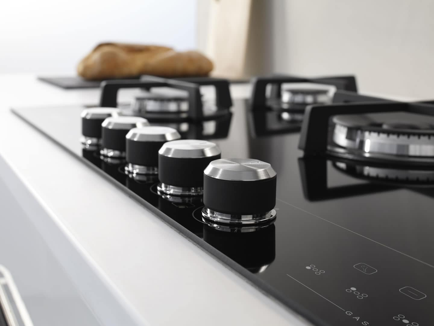 DeLonghi 90cm 5 Burner Electronic Gas on Glass Cooktop - DEGMATIK90 - Lifestyle Image