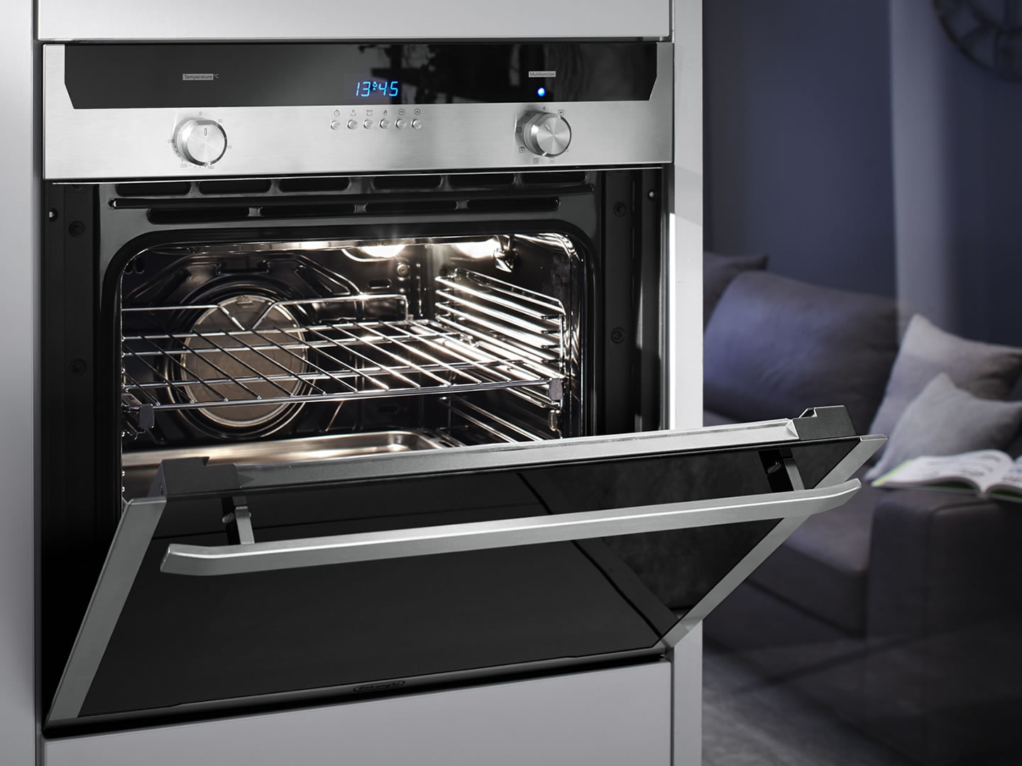 60cm Multifunction Pyrolytic Built In Oven - DEL606P - Lifestyle Open