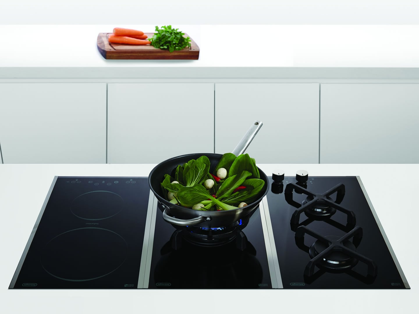 30cm Single Wok Black Glass Gas Cooktop DE30WGBX1 Lifestyle