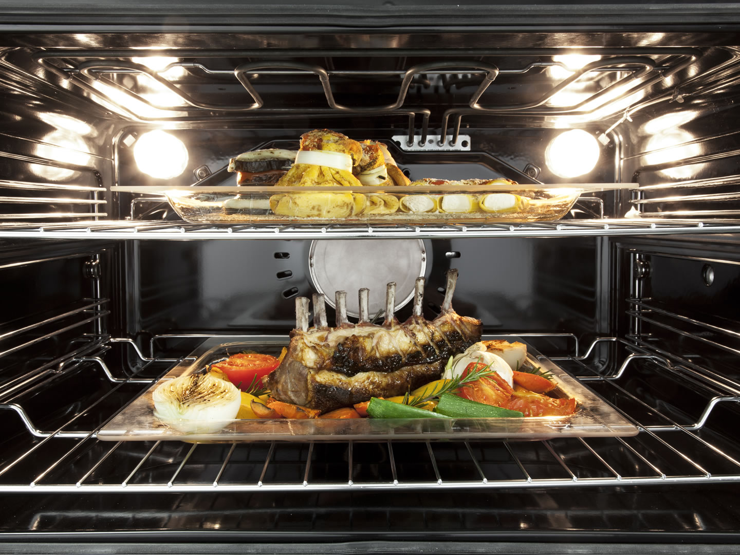 DEP909M - 90cm 9 Function Built In Premium Oven Interior
