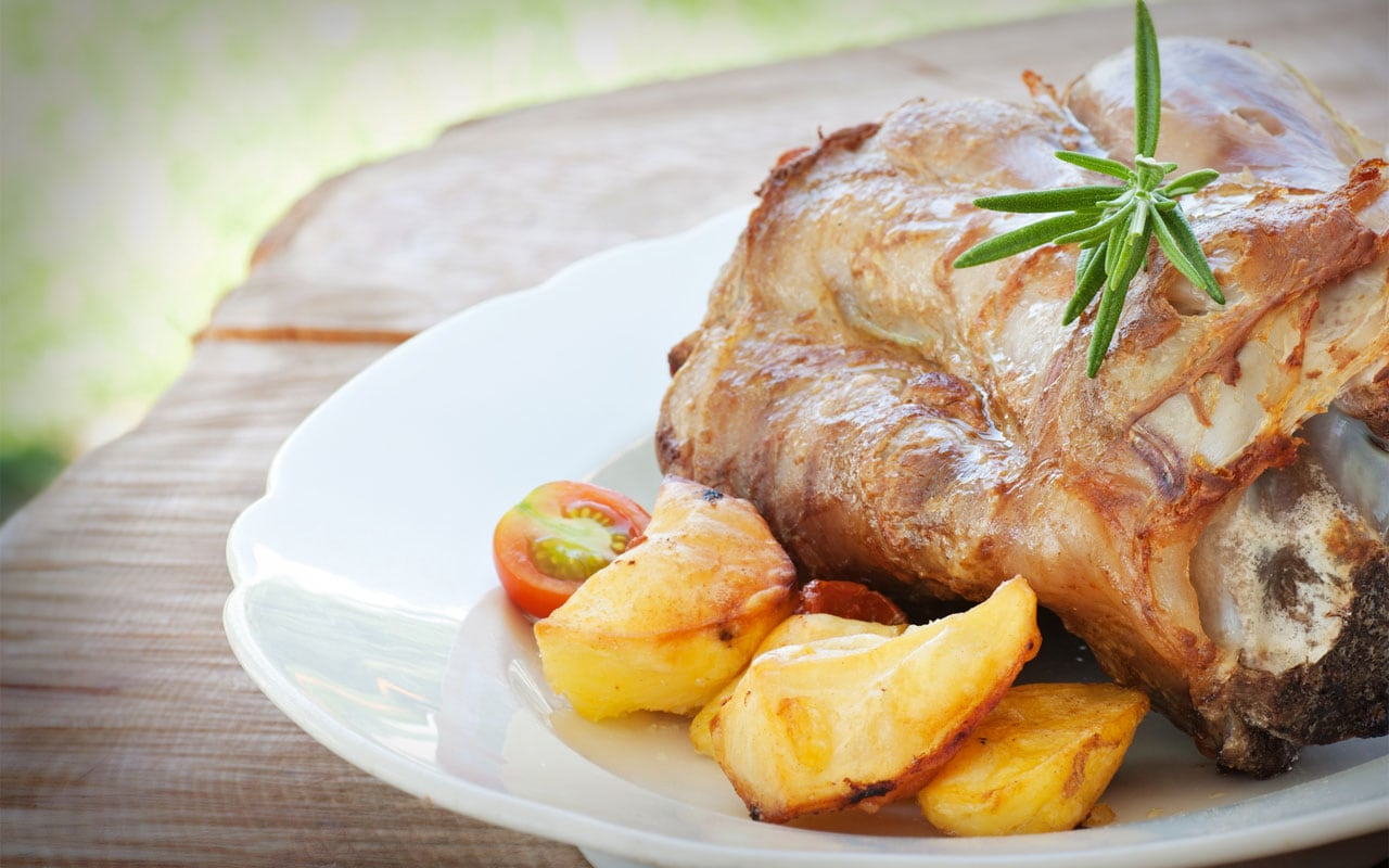 Roasted veal shank with vegetables
