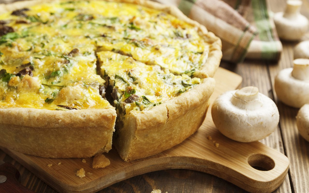 Savoury pie with mushrooms, eggs and mozzarella