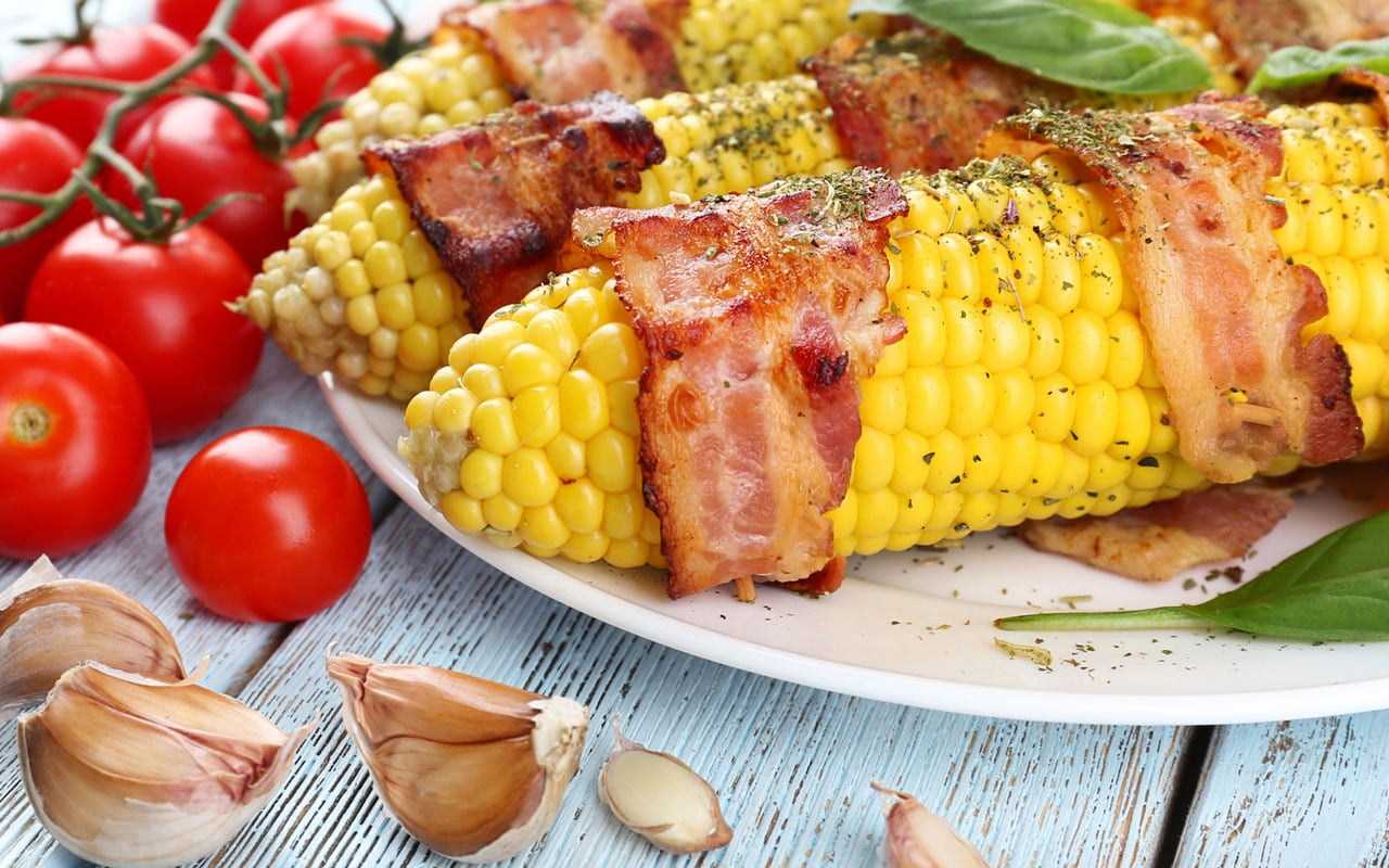 Corn on the cob and bacon