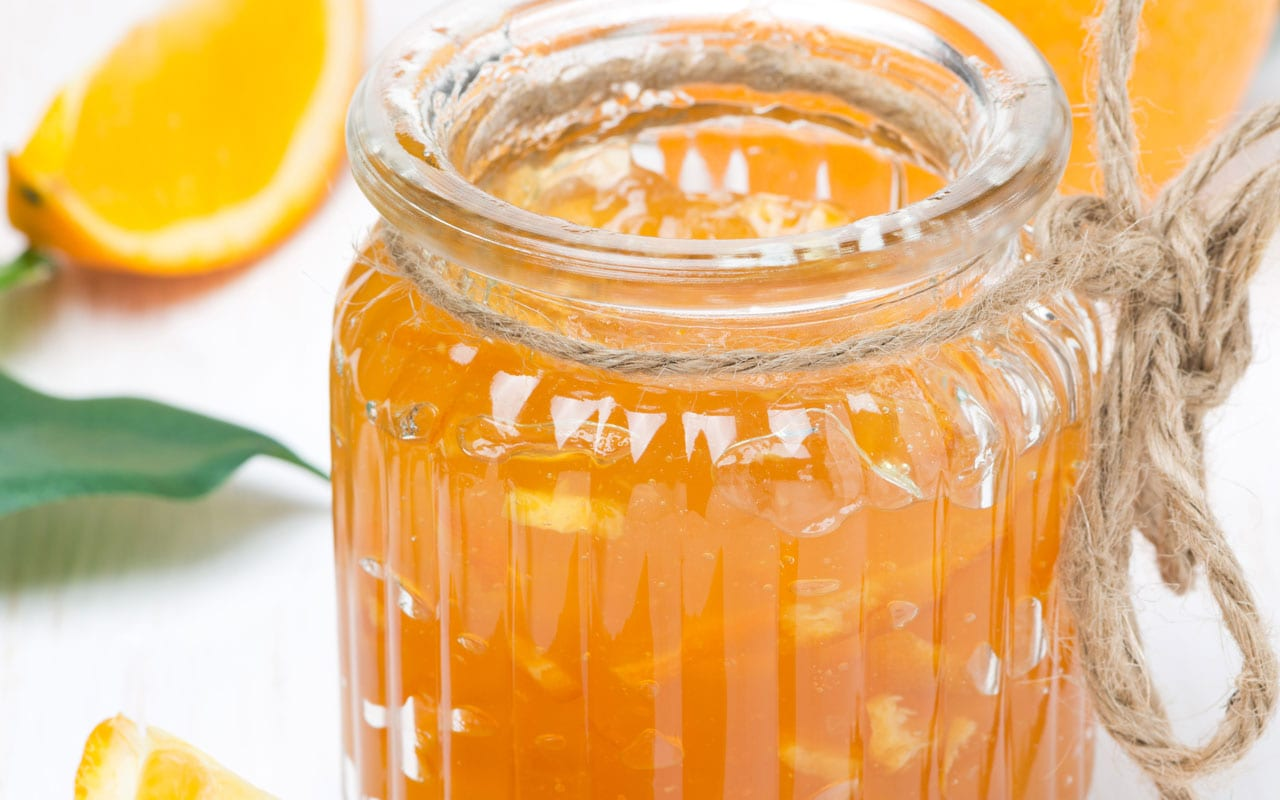 Orange marmalade with cinnamon and ginger