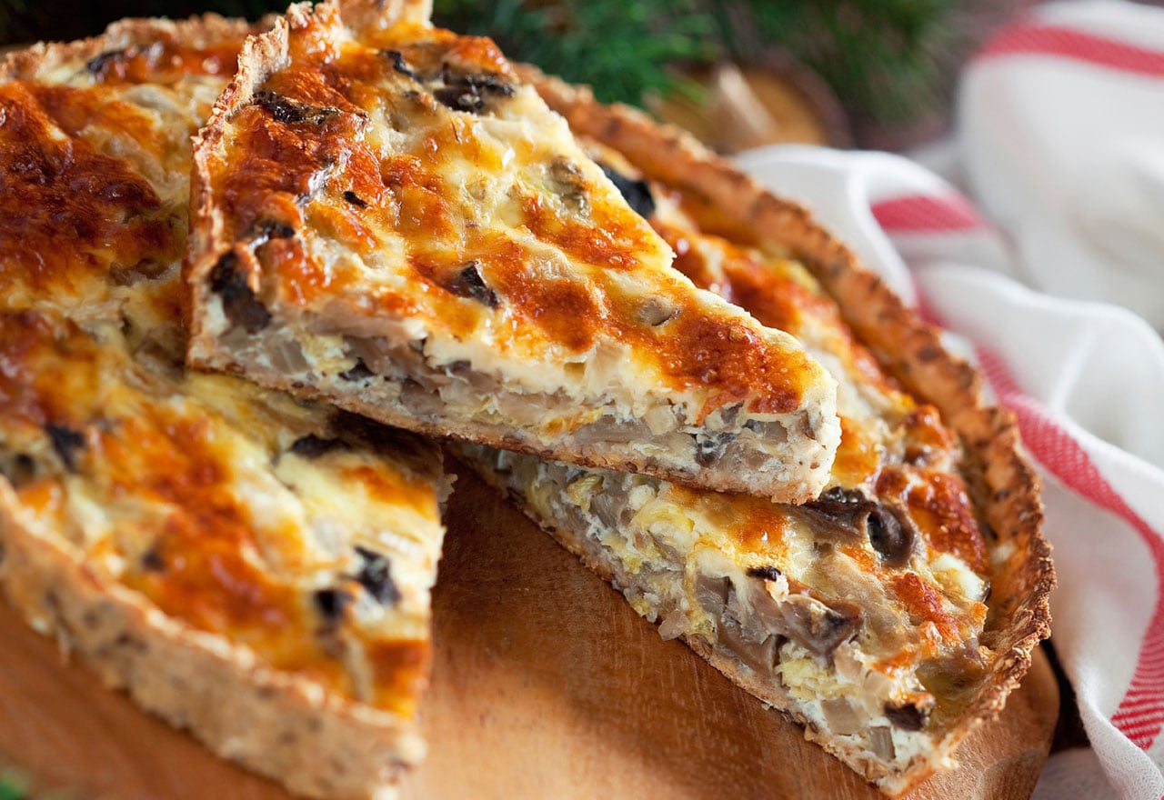 Quiche with radicchio and speck ham