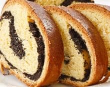 Rolls with poppy seeds and walnuts