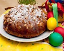 Easter cake with almonds
