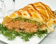 Salmon en croute with spinach