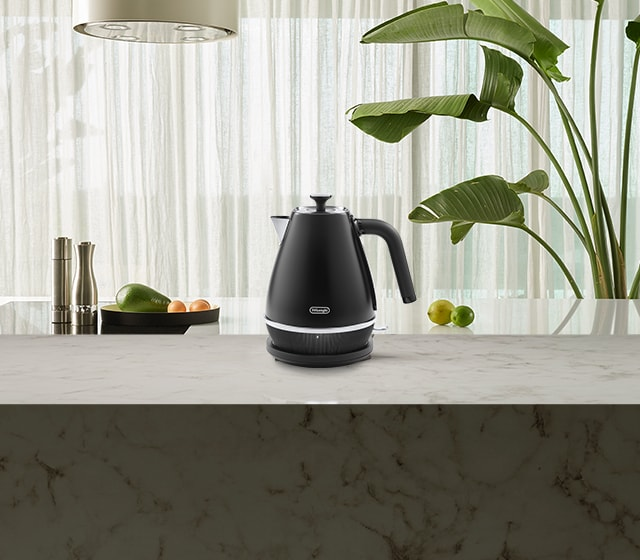 nz_Channel-kitchen-CategoryMood_kettle-KBIN2001.BK_desk.jpg